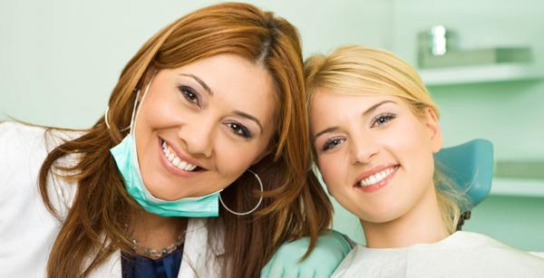 woman-at-the-dentist